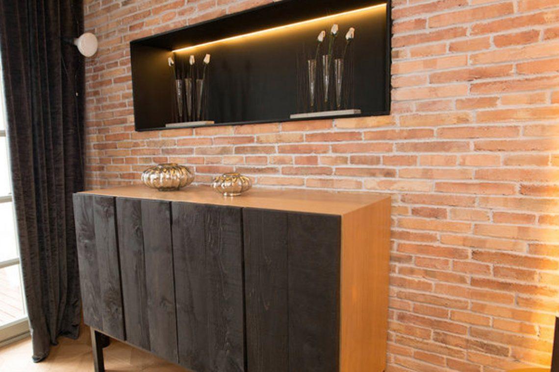 Reforma de las habitaciones del Hotel España en Barcelona para subir una estrella en calidad. La reforma se ha realizado con Plaqueta Manual Destonificado 24x1,5x4cm. Tras las reformas realizadas, lograron su propósito de subir una estrella, actualmente cuenta con 4. Ir al producto
